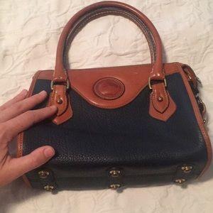 Dooney and Bourke purse bag